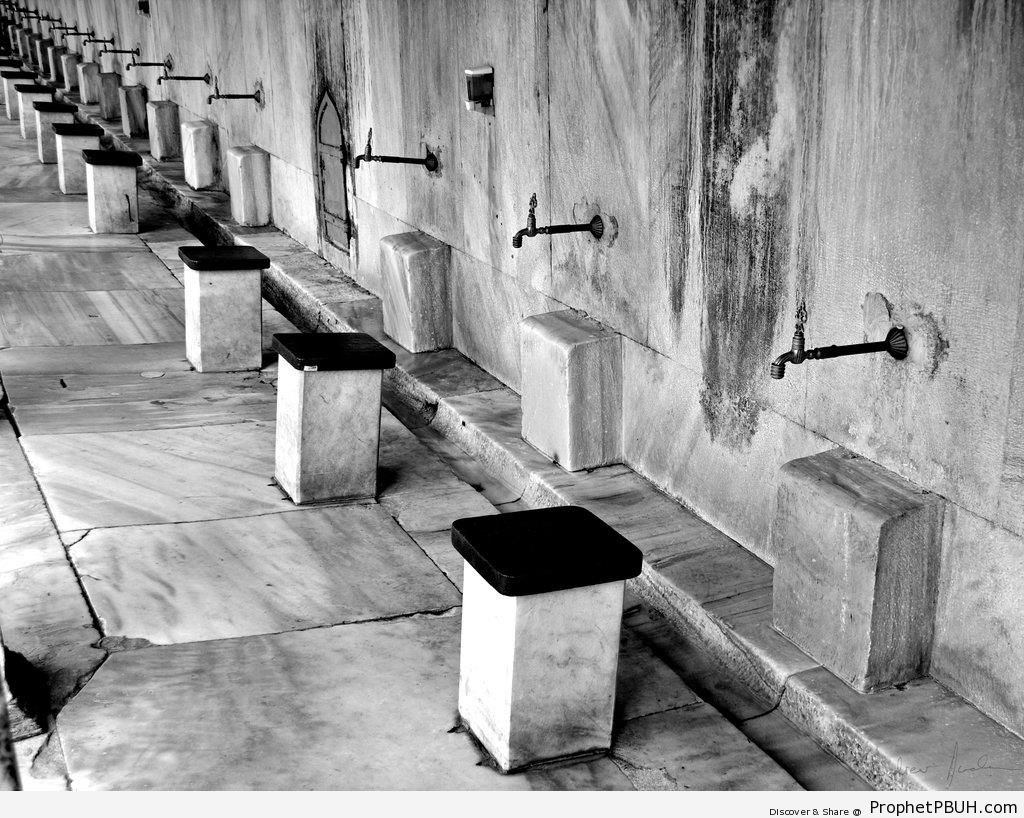 Ablution Area of the Blue Mosque (Istanbul, Turkey) - Islamic Architecture -Picture