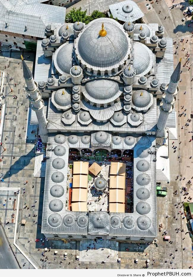 Aerial View of the New Mosque (Yeni Camii) in Istanbul, Turkey (Ottoman Architecture) - Islamic Architecture