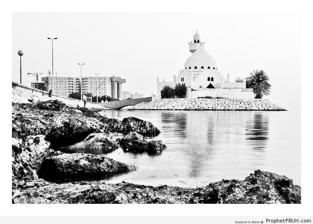 Al-Khobar Corniche Mosque in Black and White, Saudi Arabia - al-Khobar, Saudi Arabia -Picture