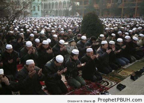 Chinese Muslims Praying on the Morning of Eid al-Fitr (August 19, 2012) - China