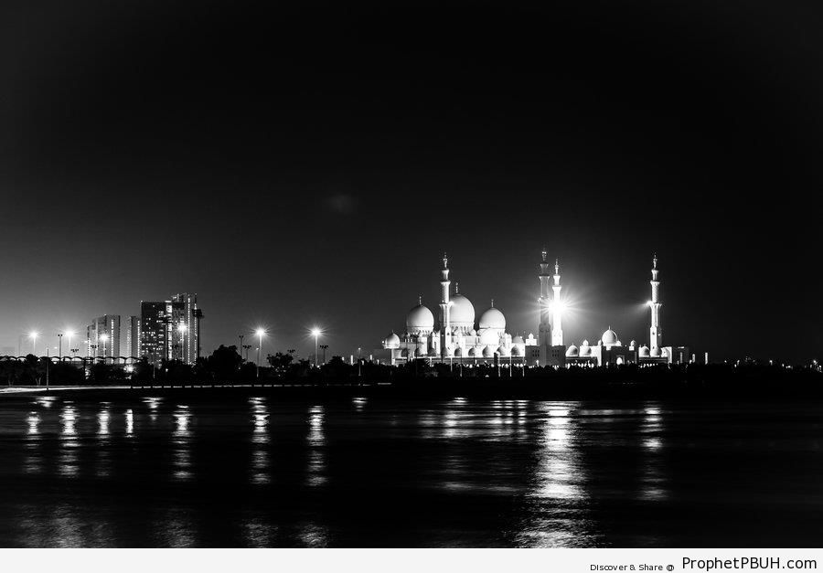 Distant Photo of Sheikh Zayed Grand Mosque At Night (Abu Dhabi, United Arab Emirates) - Abu Dhabi, United Arab Emirates -Picture