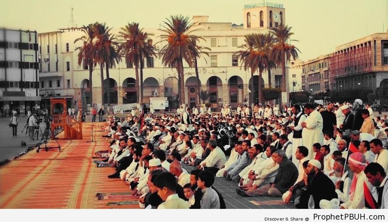 Eid al-Adha Prayer at Maidan ash-Shuhada- (Martyrs Square) in Tripoli, Libya (November 11, 2011) - Photos -
