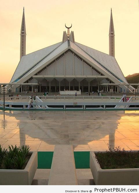 Faisal Mosque Reflection on Courtyard Tiles in Islamabad, Pakistan - Faisal Mosque in Islamabad, Pakistan