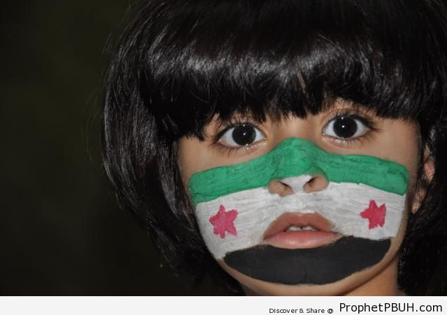 Free Syria Flag on Saudi Little Girl-s Face - Islamic Posters