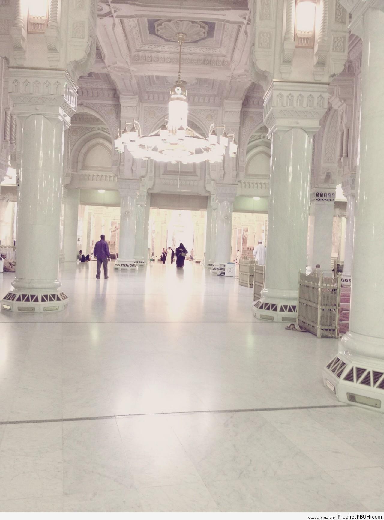 Inside Masjid al-Haram - al-Masjid al-Haram in Makkah, Saudi Arabia -004