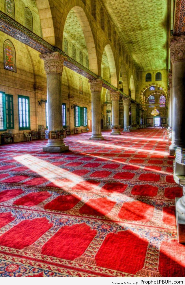 Inside al-Aqsa Mosque (Jerusalem, Palestine) - Al-Aqsa Mosque (Bayt al-Muqaddas) in Jerusalem, Palestine -002