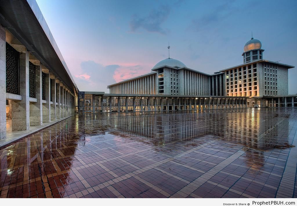 Istiqlal Mosque Courtyard Reflection in Jakarta, Indonesia - Indonesia -Picture