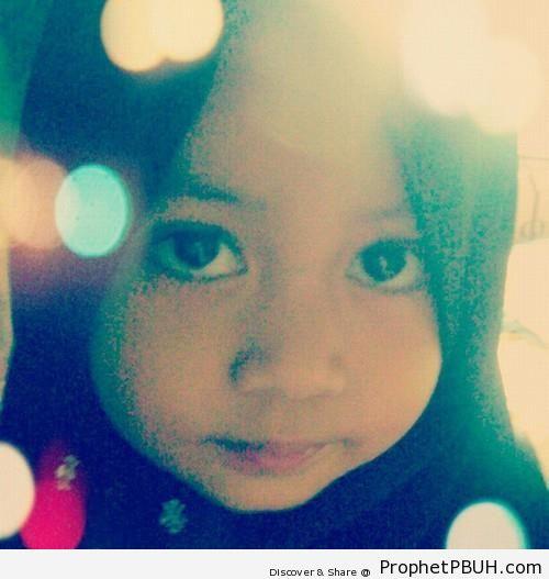 Little Girl With Dark Eyes in Dark Hijab - Muslimah Photos (Girls and Women & Hijab Photos)