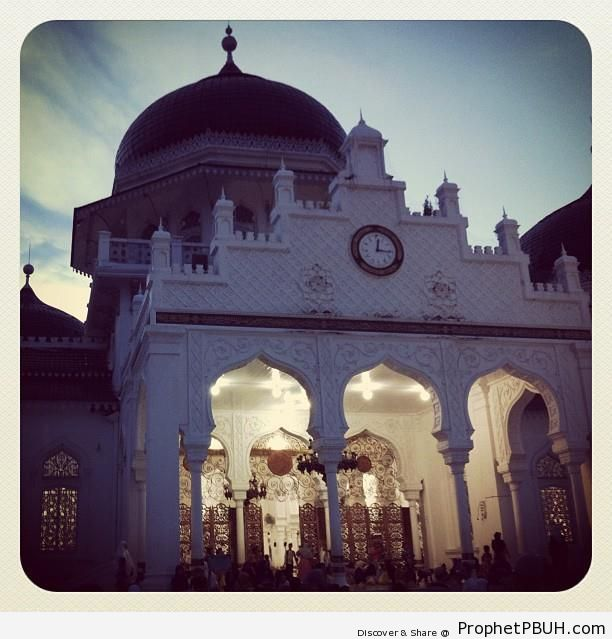 Maghrib Time at Baiturrahman Grand Mosque in Banda Aceh - Baiturrahman Grand Mosque (Mesjid Raya Baiturrahman) in Banda Aceh, Indonesia