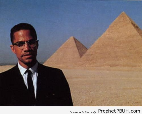 Malcolm X Photo by the Pyramids - Photos