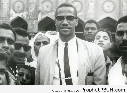 Malcolm X in Mecca (1964) - Photos