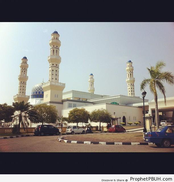 Masjid Bandaraya From the Street - Islamic Architecture