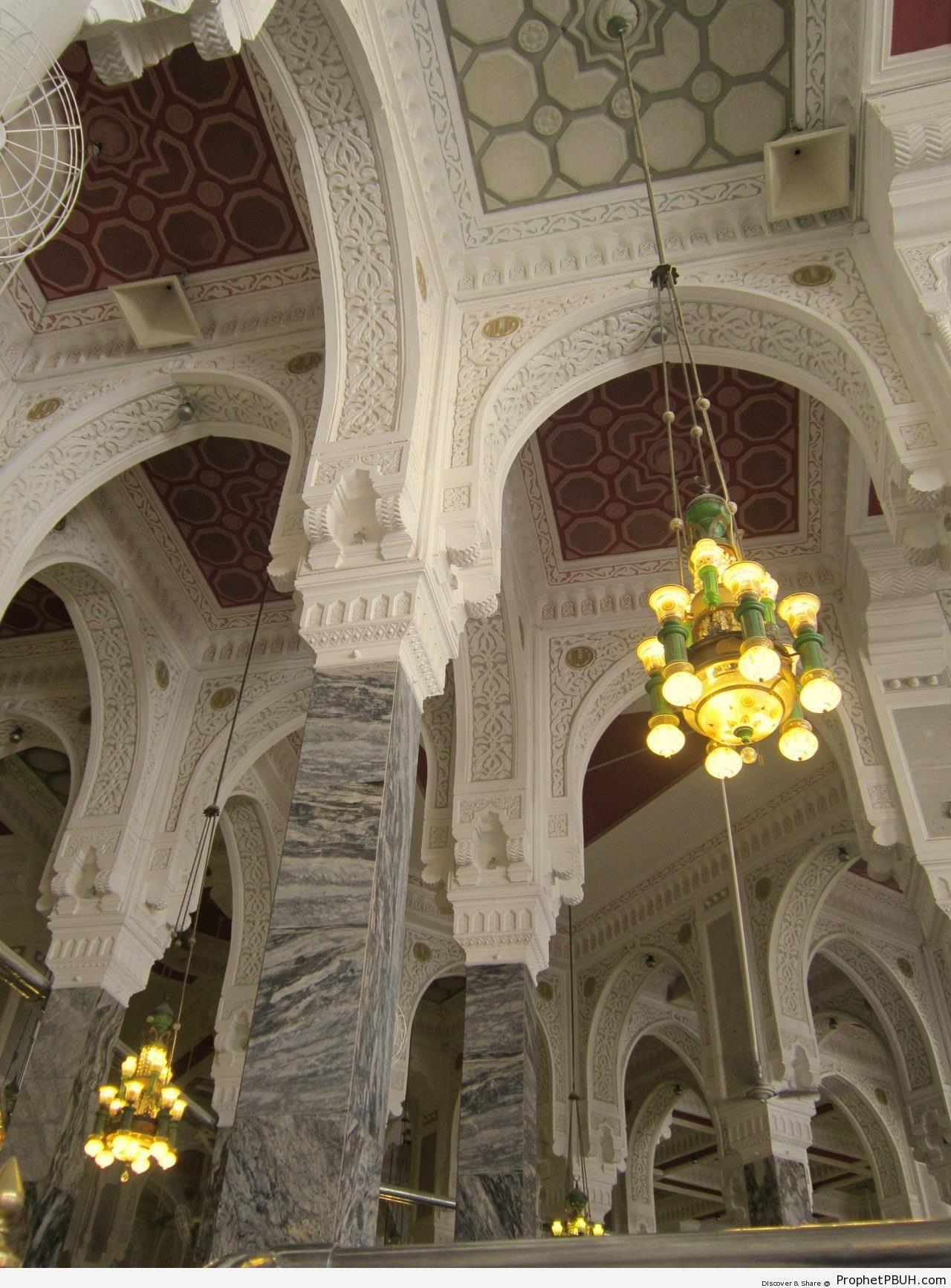 Masjid al-Haram Interior (Makkah, Saudi Arabia) - al-Masjid al-Haram in Makkah, Saudi Arabia -Picture
