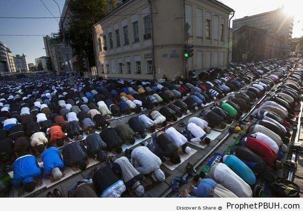 Moscow 2012 Eid al-Fitr Prayer - Moscow, Russia
