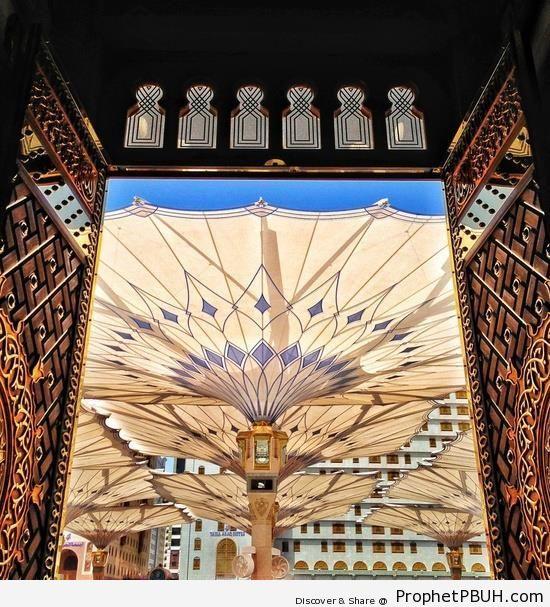 Mosque of the Prophet (al-Madinah, Saudi Arabia) - Al-Masjid an-Nabawi (The Prophets Mosque) in Madinah, Saudi Arabia