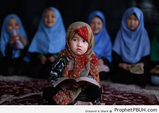 Muslim Little Girls Studying - Muslimah Photos (Girls and Women & Hijab Photos)