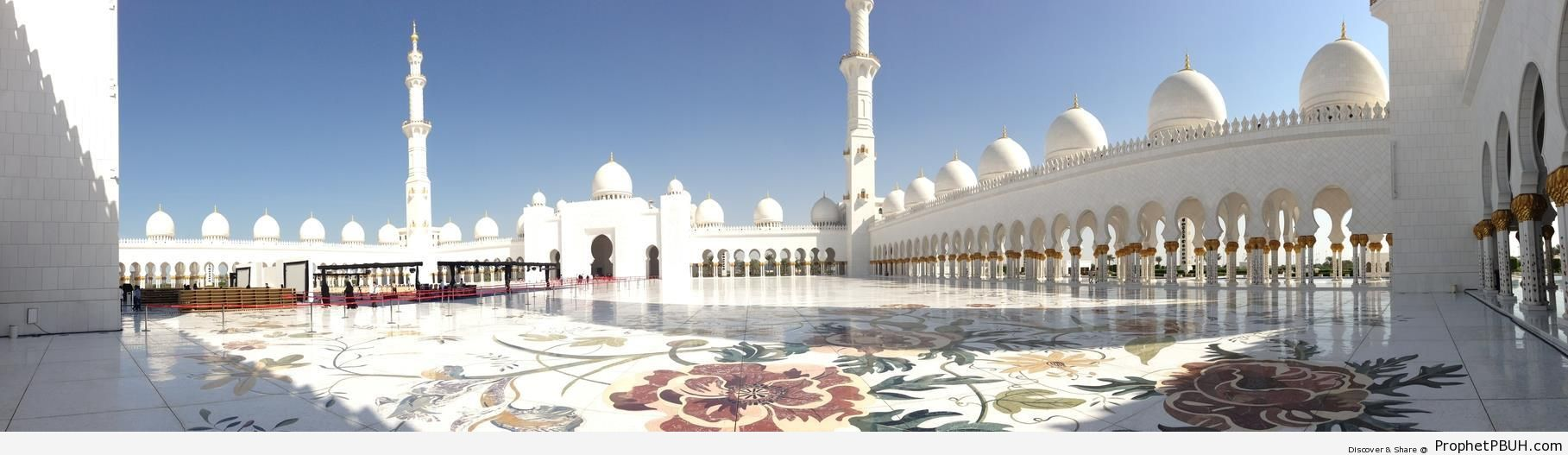 Panorama of Sheikh Zayed Grand Mosque (Abu Dhabi, UAE) - Abu Dhabi, United Arab Emirates