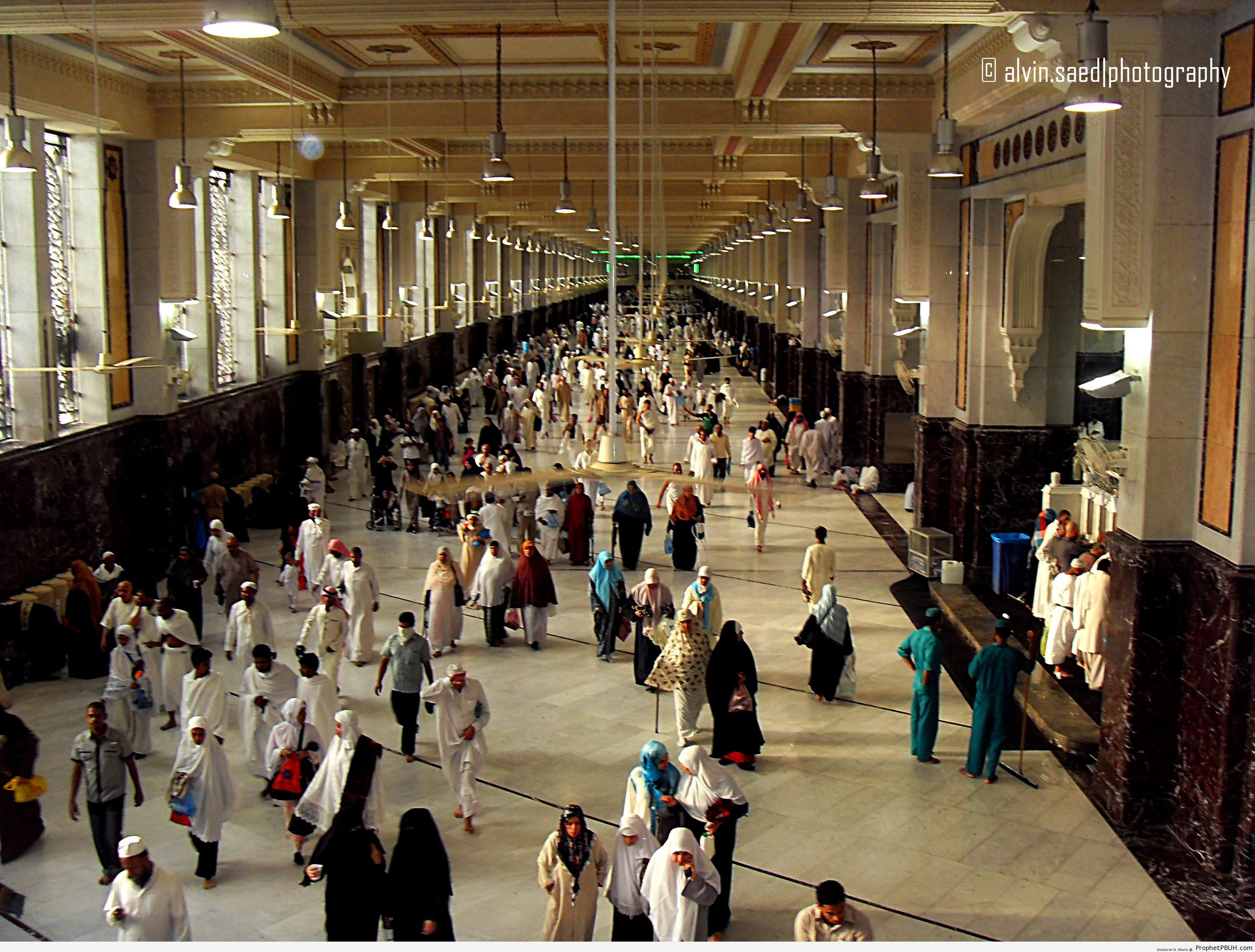 People at the Safa and Marwa Walk (Makkah, Saudi Arabia) - Islamic Architecture
