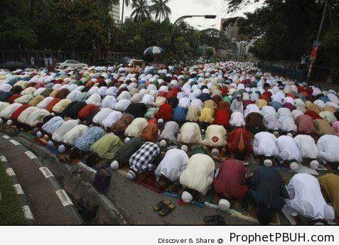 Salat Eid al-Fitr 1433 (2012) In India - Photos