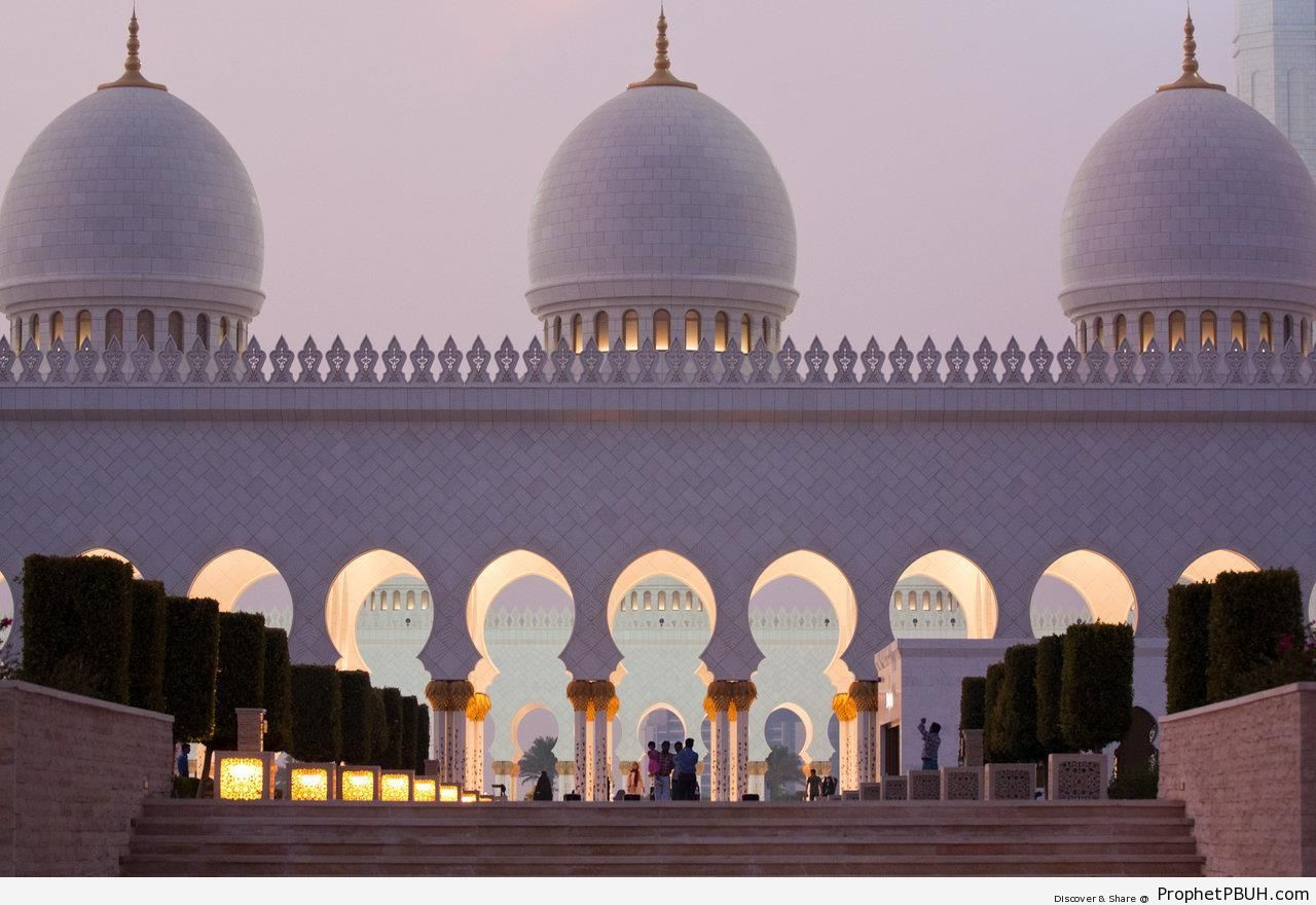 Sheikh Zayed Grand Mosque, Abu Dhabi, United Arab Emirates - Abu Dhabi, United Arab Emirates -Picture