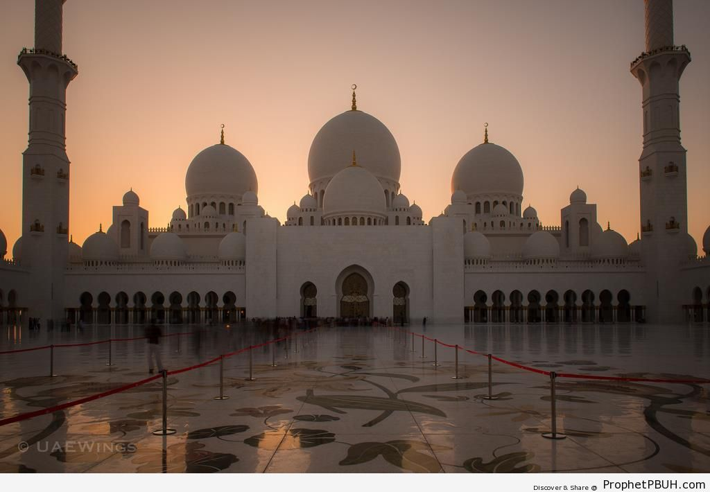 Sheikh Zayed Grand Mosque in Abu Dhabi, United Arab Emirates - Abu Dhabi, United Arab Emirates -006