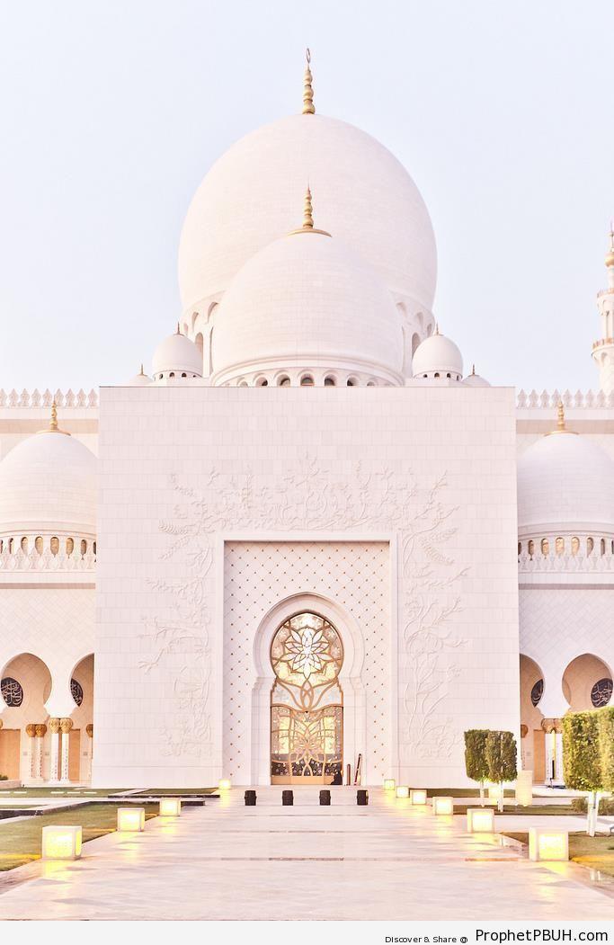 Sheikh Zayed Mosque - Abu Dhabi, United Arab Emirates