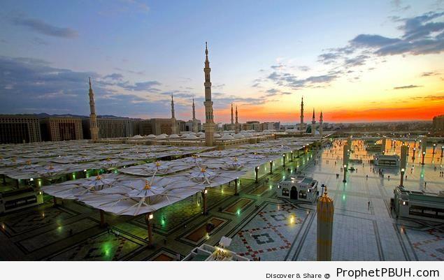 The Prophet-s Mosque at Twilight (Madinah, Saudi Arabia) - Al-Masjid an-Nabawi (The Prophets Mosque) in Madinah, Saudi Arabia