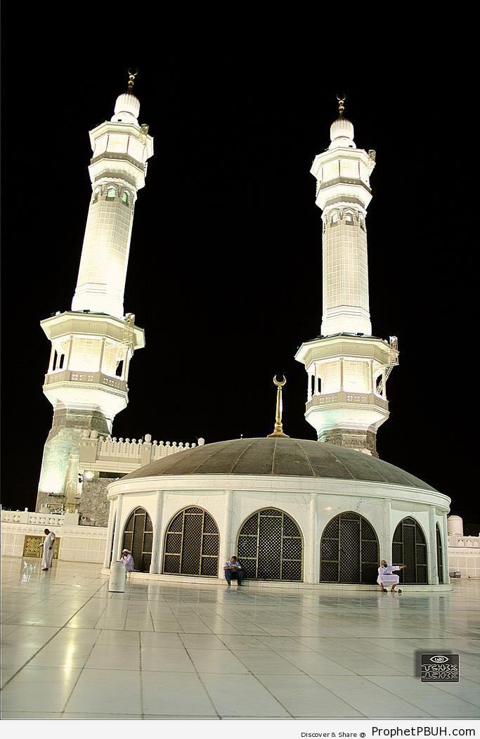 The Third Floor (Roof Musallah) of Masjid al-Haram in Makkah, Saudi Arabia - al-Masjid al-Haram in Makkah, Saudi Arabia -Picture