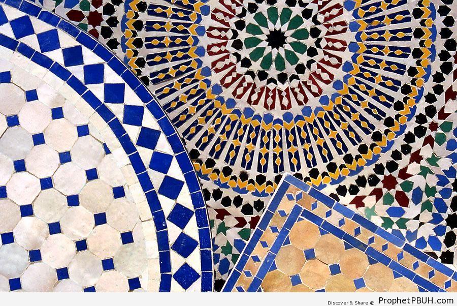 Tiles (Islamic Art) - Photos of Islamic Tiles -