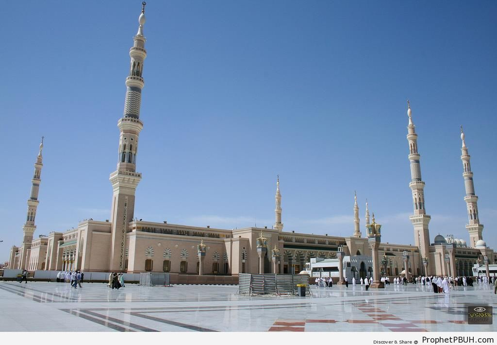 World-s Second Largest Mosque - Al-Masjid an-Nabawi (The Prophets Mosque) in Madinah, Saudi Arabia -Picture