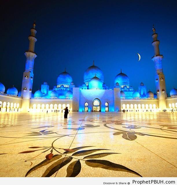 Crescent Moon Over Sheikh Zayed Grand Mosque in Abu Dhabi, the UAE - Abu Dhabi, United Arab Emirates