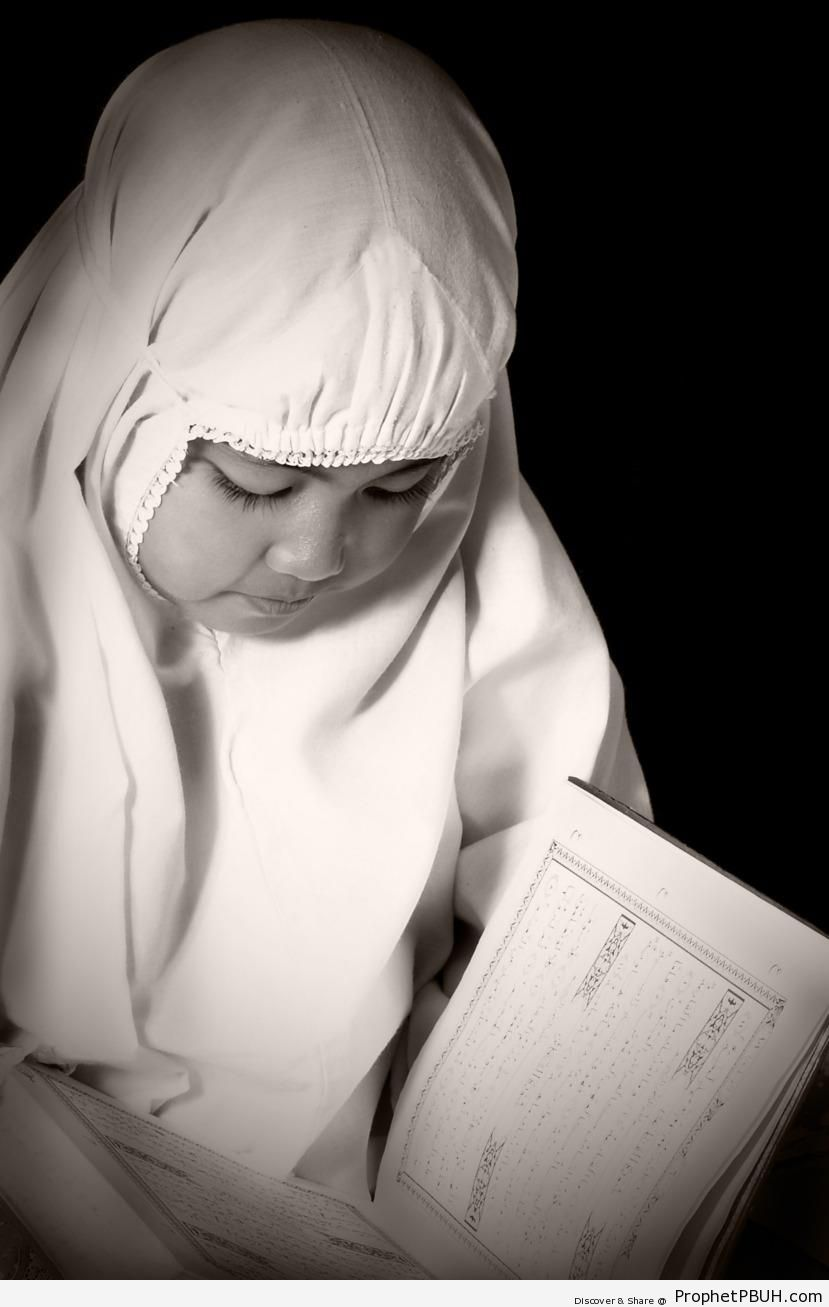 Little Muslim Girl Reading the Quran - Islamic Black and White Photos