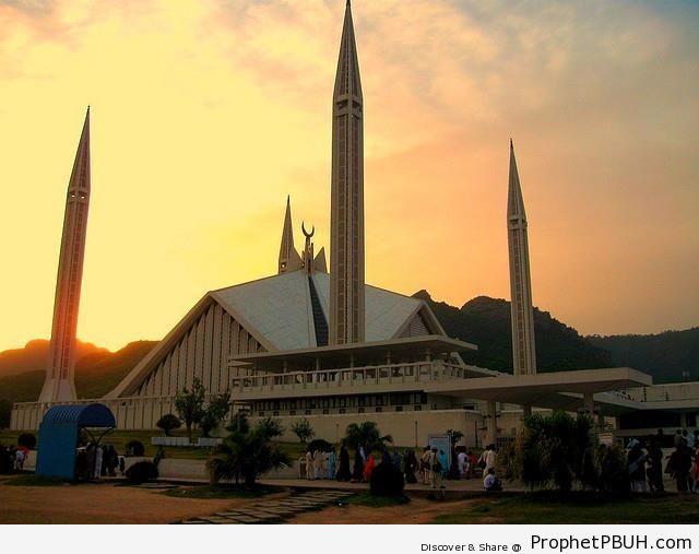 Pakistan-s Largest Mosque at Sunset - Faisal Mosque in Islamabad, Pakistan