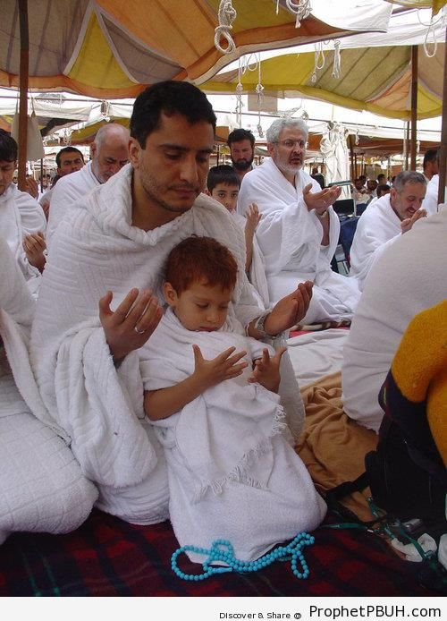 Pilgrim Father and Little Boy in Prayer - Photos