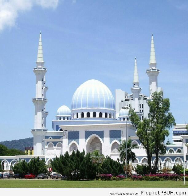 The Kuantan State Mosque in Kuantan, Malaysia - Kuantan, Malaysia